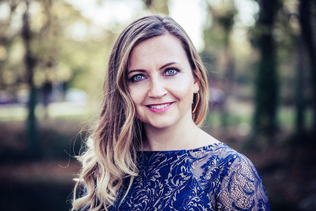Helene Ott - Hochzeitsmoderatorin & Freie Rednerin