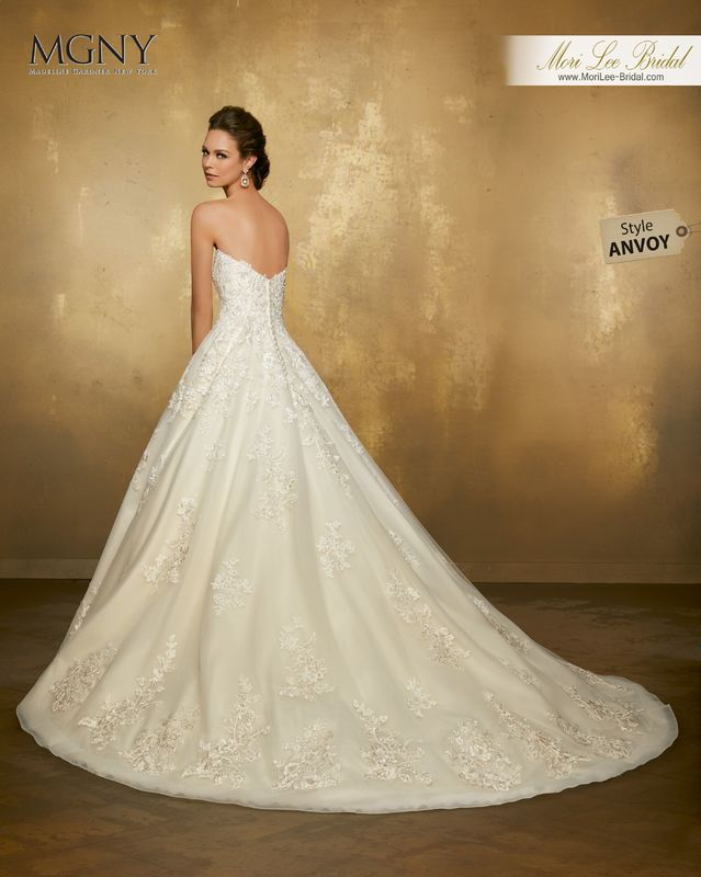 Style ANVOY Odina  Crystal beaded, alençon lace appliqués on a tulle ball gown