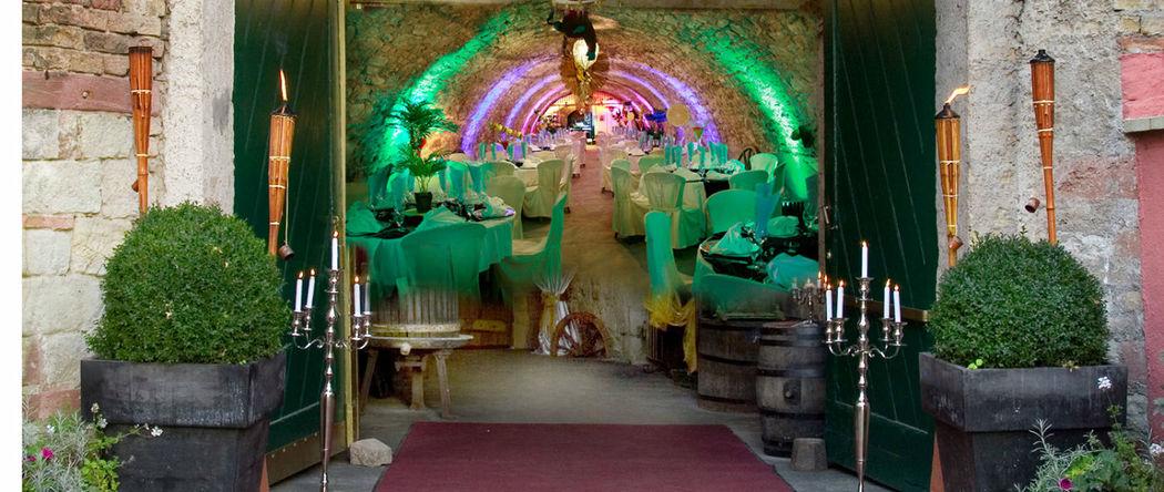 Beispiel: Dekorierter Eingangsbereich, Foto: Gewölbekeller Burg Weisenau.