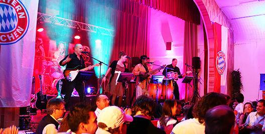 Beispiel: Band, Foto: James Torto & Friends.