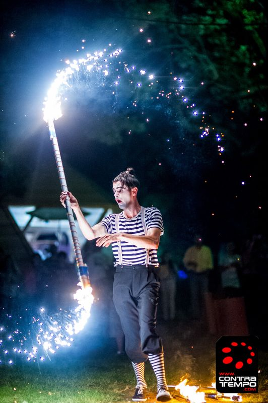 Mr.Milk - Espetáculos e Eventos  Performance de fogo para eventos