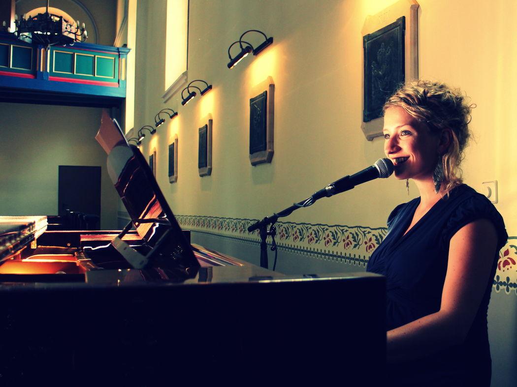 Sängerin und Freie Rednerin Anne Fraune