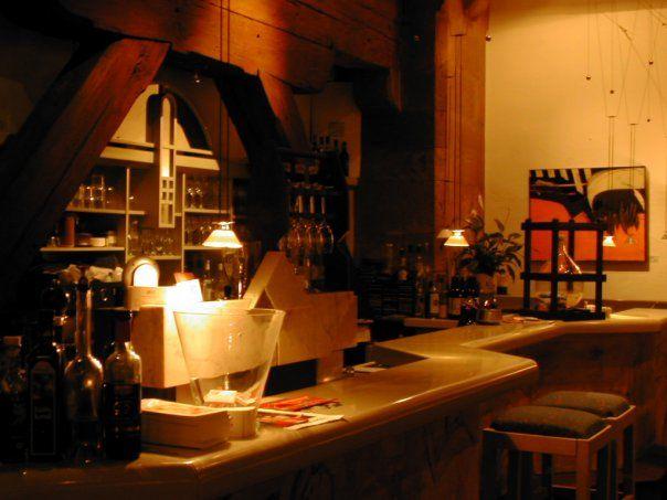 Beispiel: Bar, Foto: Leerer Beutel.
