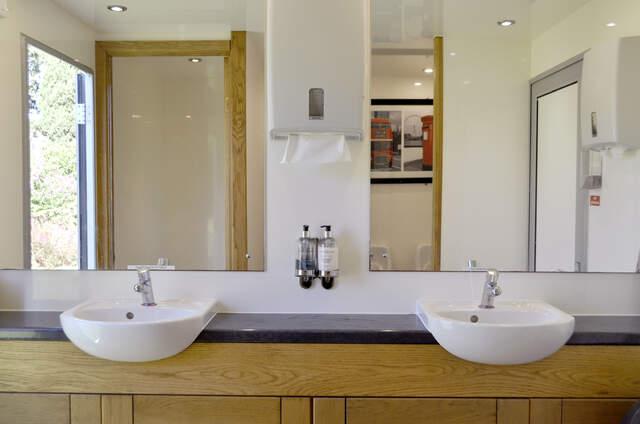 Localuxe Sanifetes - Location toilettes de luxe