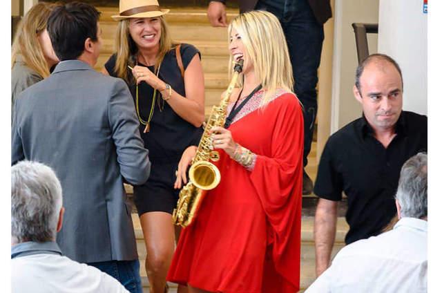 JAZZIC-Chanteuse-saxophoniste VAR