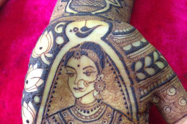Aakriti Mehndi Creations