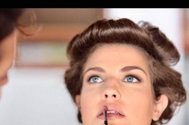 Caroline Coimbra - Beauty Artist