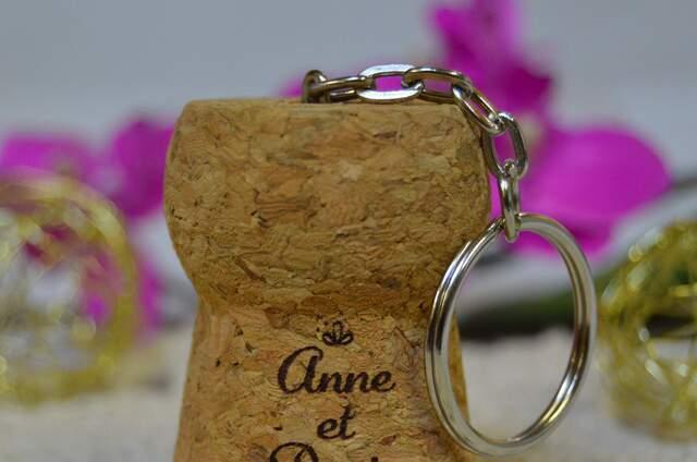 O Cépages : pochettes, bougie, porte clé en liège