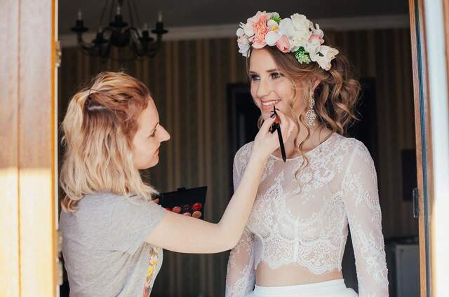 Стилист-визажист Елена Симон
